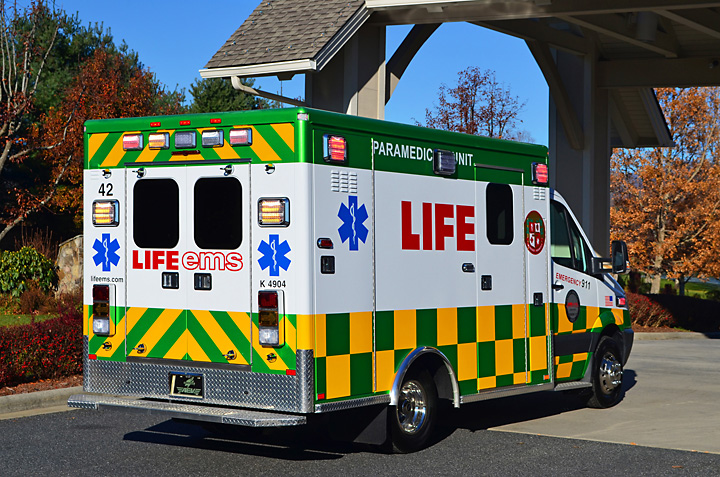 Life support ambulance or icu ambulance